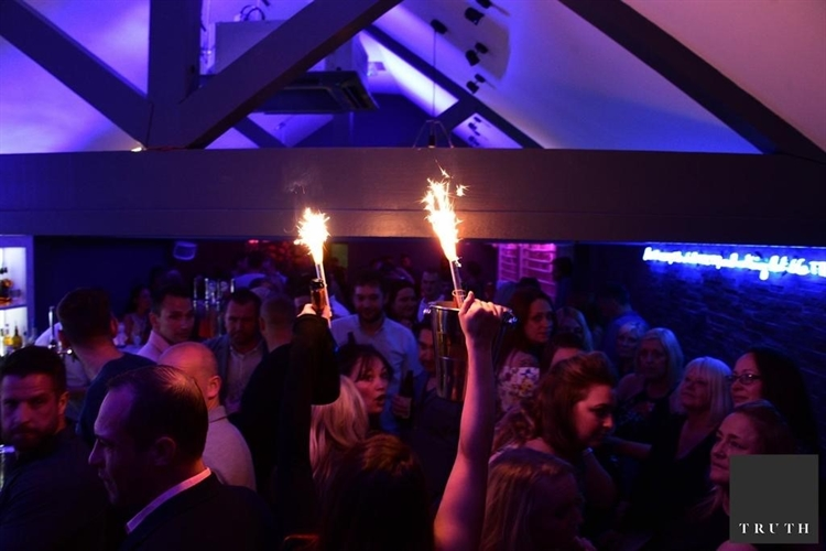 licensed bar nightclub poulton - 4
