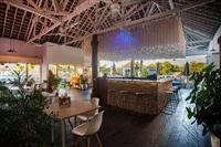 large restaurant bar uluwatu - 3