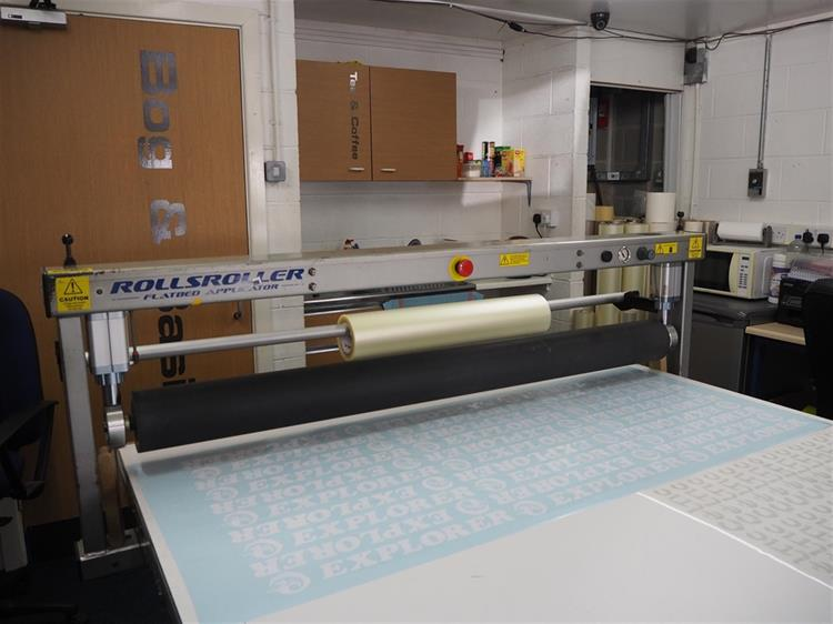 sign makers vehicle wrapping - 6