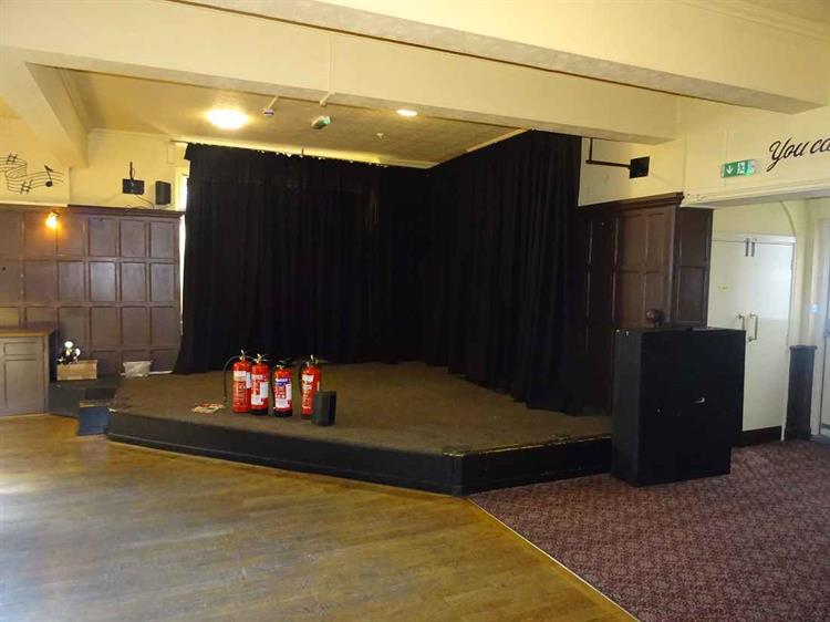 prominent freehold pub live - 4