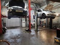 well known traditional garage - 3