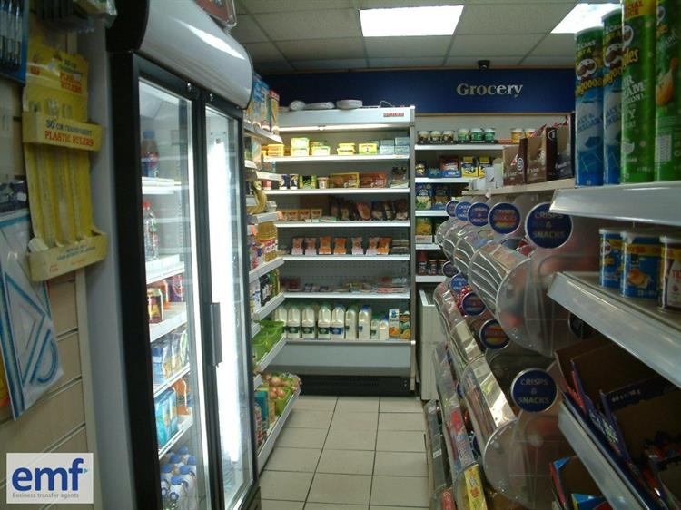 convenience store news off-licence - 10