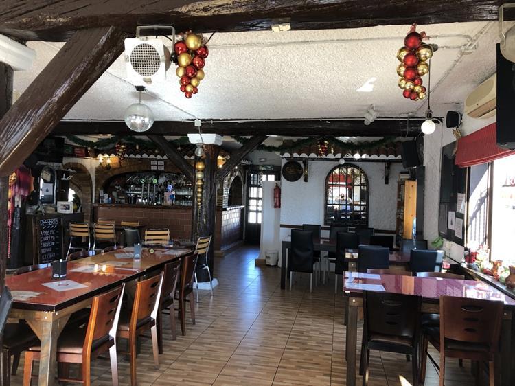 freehold bar restaurant rojales - 7