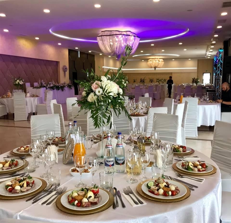 wedding venue high end - 13