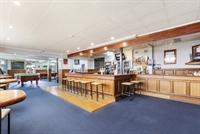 busy portland pub - 3