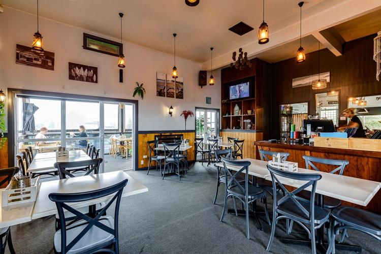butlers reef bar restaurant - 8