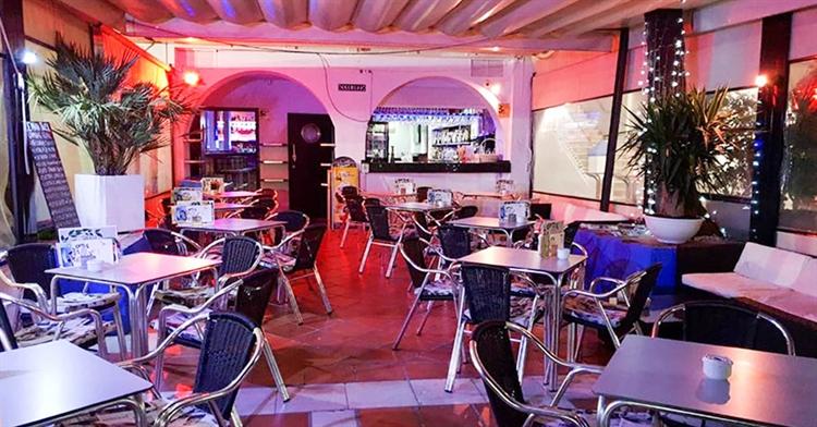 cafe bar right opposite - 6