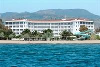 popular beachfront hotel izmir - 1