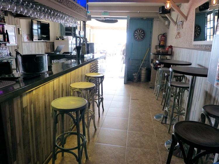 beach road cafe bar - 14