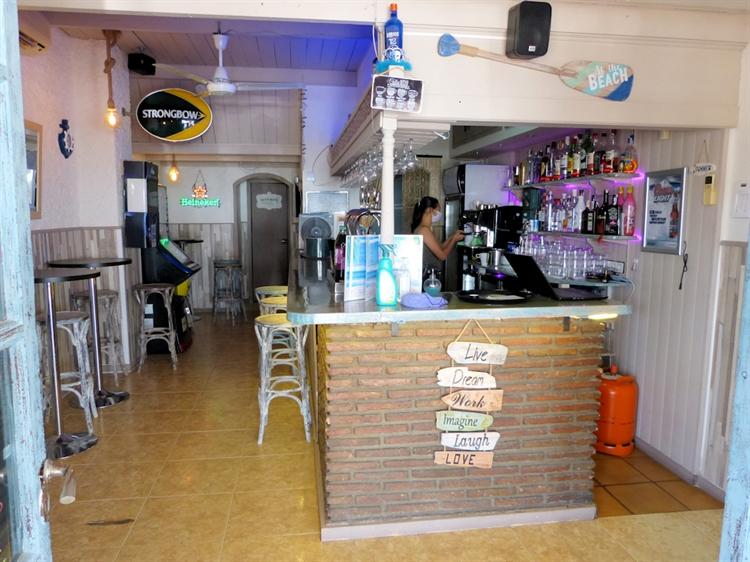 beach road cafe bar - 4