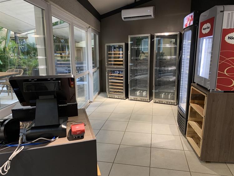 restaurant lounge bar grocery - 4