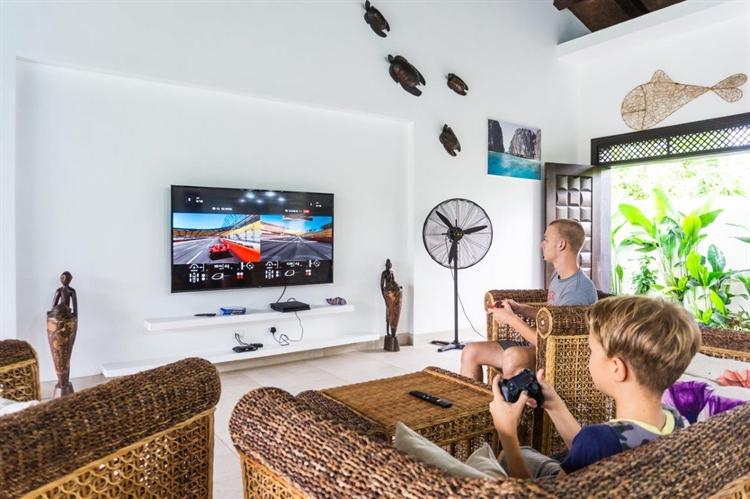 luxury airbnb villa el - 6