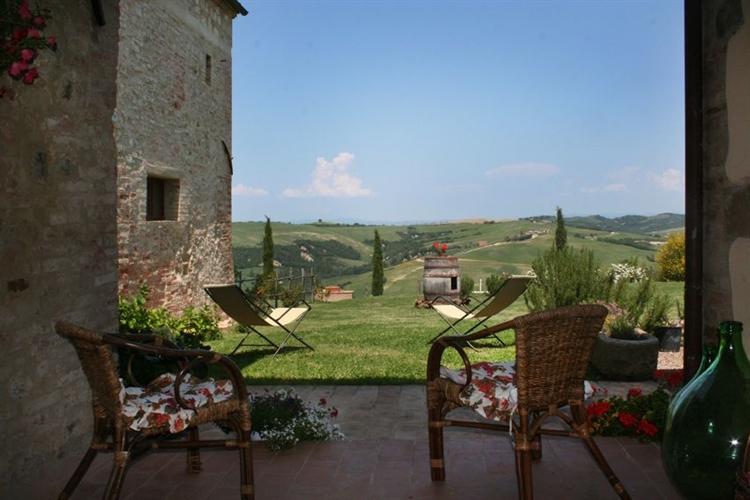 farm with vineyard montalcino - 5