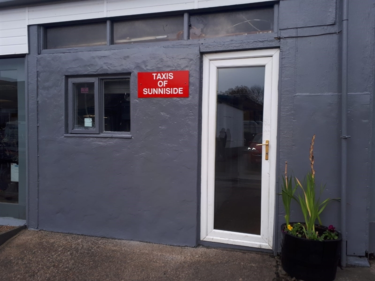 licensed taxi office sunniside - 2