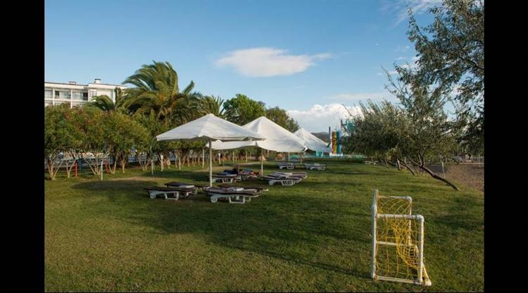 popular beachfront hotel izmir - 10