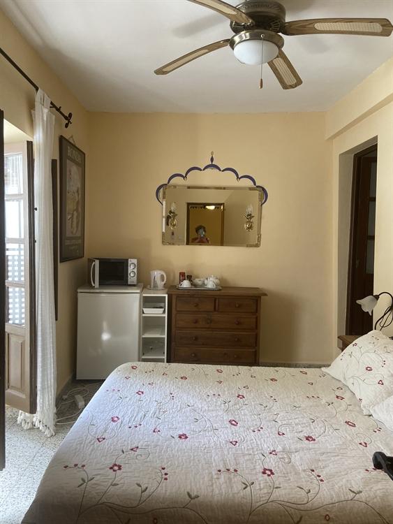 long established three bedroom - 4