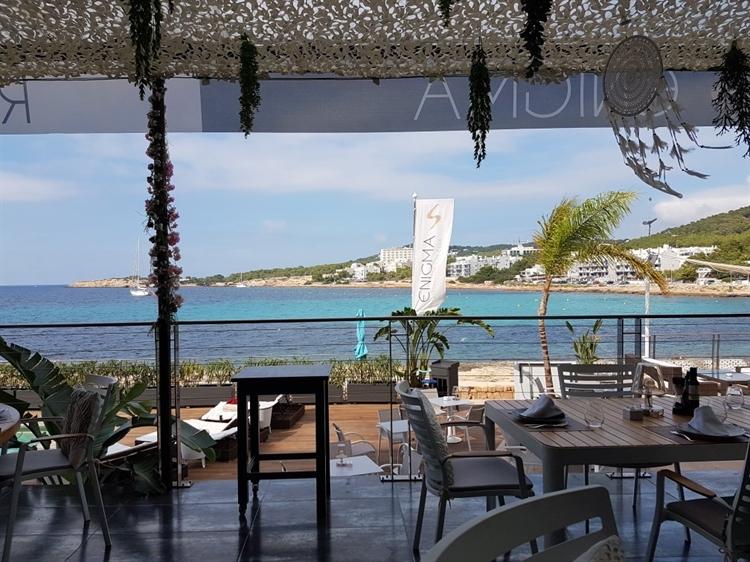 top beach club café - 10