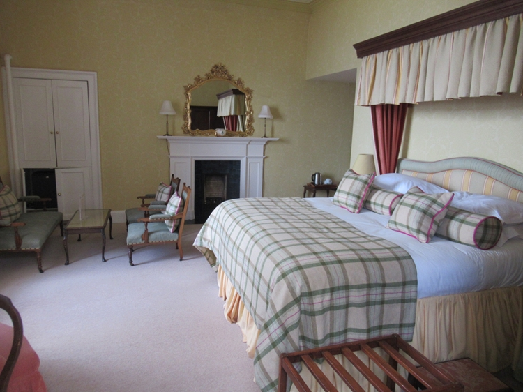 highly individual 16-bed hotel - 5