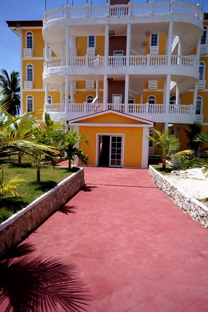 waterfront beach club resort - 8