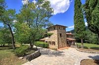 typical tuscan estate arezzo - 2