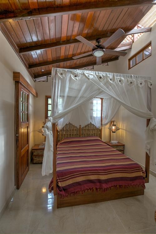six jungle villa resort - 4