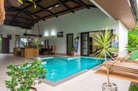 luxury airbnb villa el - 2