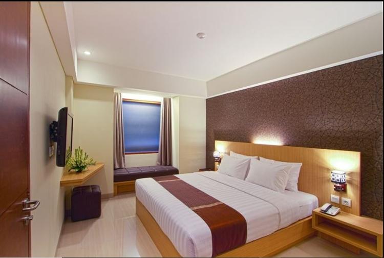 large hotel seminyak - 6