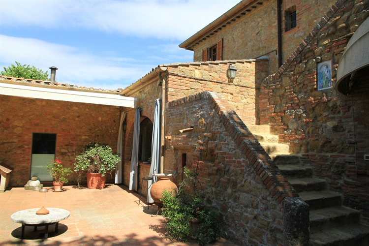 farm with vineyard montepulciano - 14