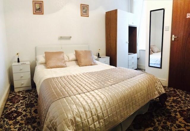 eight bedroom licensed hotel - 5