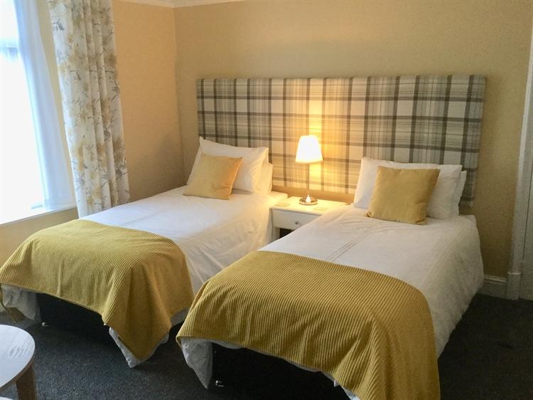 award winning 6 bedroom - 10
