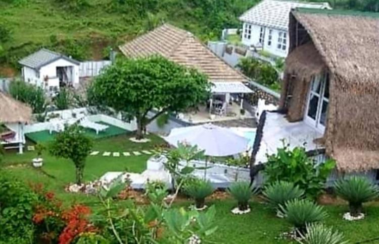5 villas close white - 5