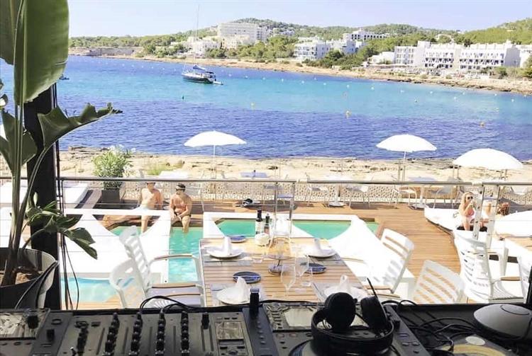 top beach club café - 4
