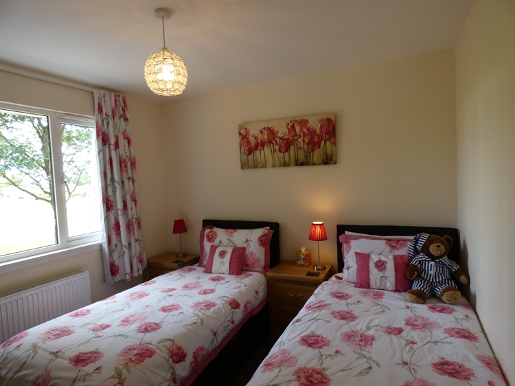 holiday cottages with loch - 6