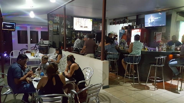 hotel bar puerto caldera - 4