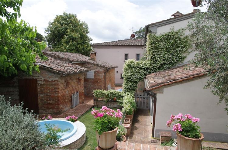 hamlet tuscany arezzo for - 9