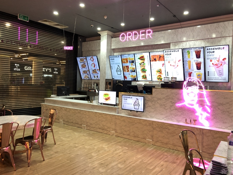 brand new ready-to-go diner - 5