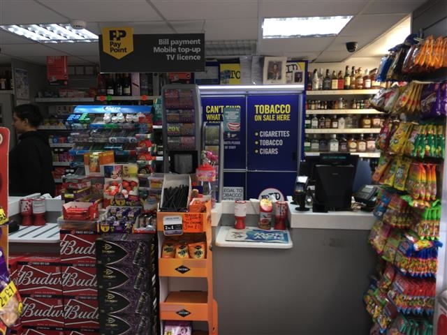 well established convenience store - 4