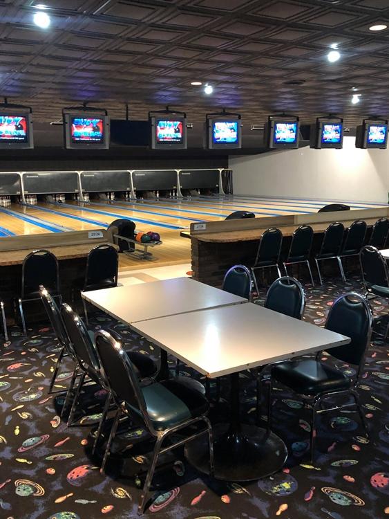 established bowling centre restaurant - 4