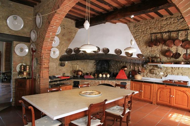 farm with vineyard montepulciano - 11