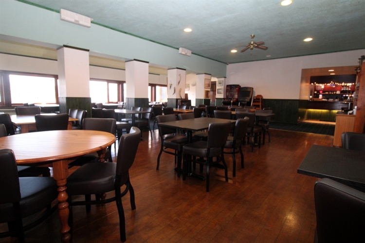 exceptional restaurant bar on - 10