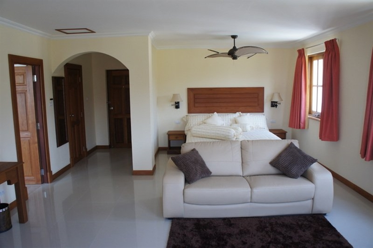 10 bedroom property ideal - 5
