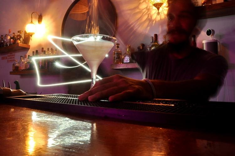 popular cocktail bar playas - 8