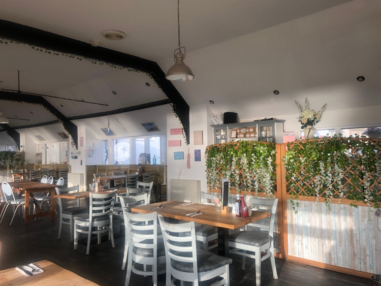 bar restaurant kinghorn - 5