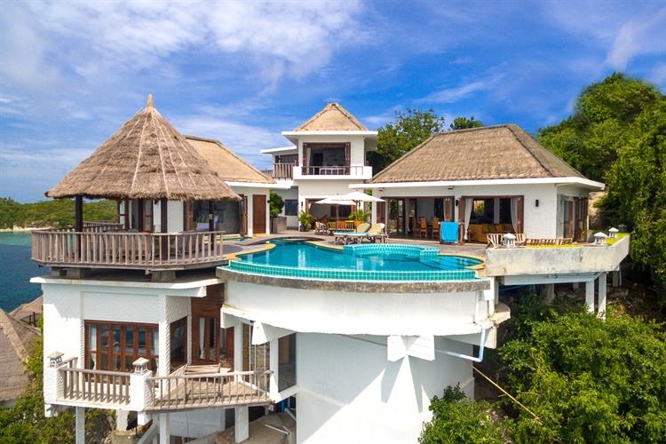 luxury pool villas business - 10