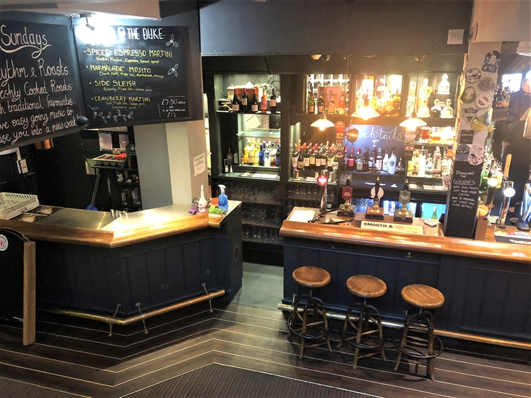 thriving town centre pub - 5
