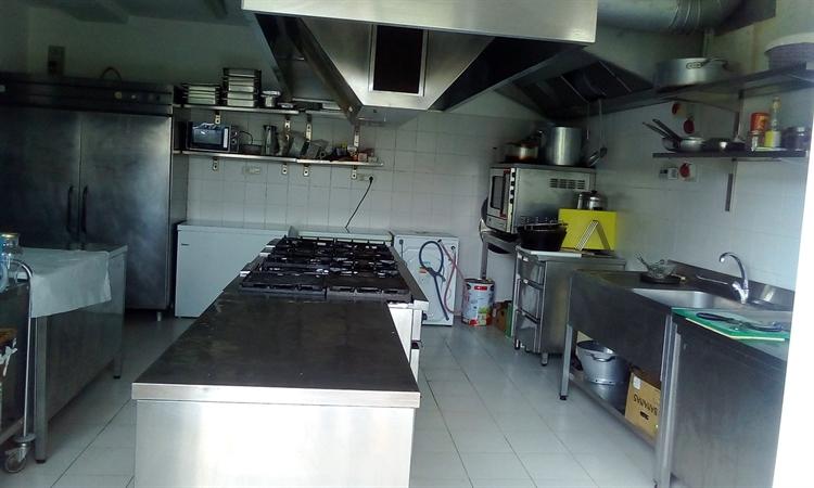 established hostel bar restaurant - 14