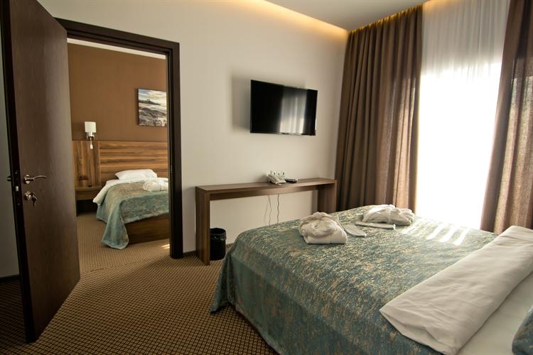 ready 4 star hotel - 7