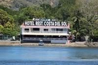 ocean front restaurant hotel - 1