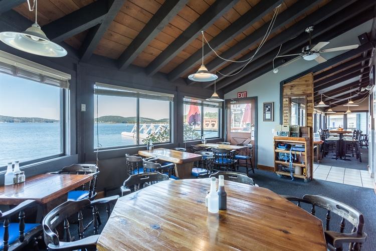 established waterfront pub saturna - 4