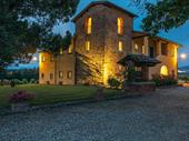tuscan villa with swimming